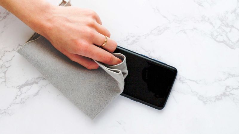 COVID-19: How to clean your smartphone and disinfected